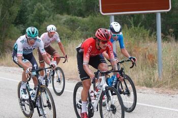 Comienza la etapa definitiva de la Vuelta a Burgos