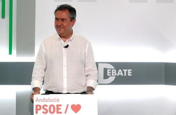 Espadas gana las primarias del PSOE-A