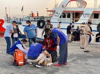 Al menos 43 migrantes mueren en un naufragio en Libia