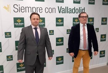 El decano del Colegio Oficial de Ingenieros Agrónomos de Castilla y León y Cantabria, Ignacio Mucientes, y el director de Comunicación y Relaciones Institucionales de Caja Rural de Zamora, Narciso Prieto.