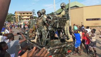 Los golpistas de Guinea piden liberar a los