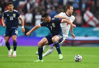 Inglaterra y Escocia empatan a orgullo