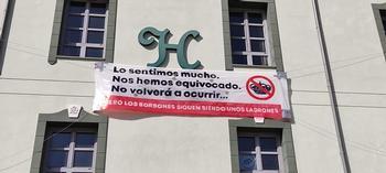 Segunda pancarta colocada por los miembros de La Molinera.