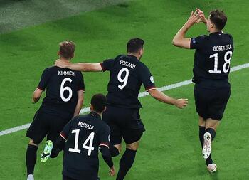 Alemania salva el desastre ante Hungría