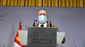 El vicepresidente y portavoz de la Junta, Francisco Igea, durante la rueda de prensa celebrada ayer. /
