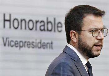 Aragonès se centra en desencallar su investidura con Junts