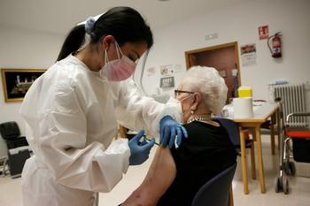 Aceves pregunta por qué Segovia es la última en vacunar