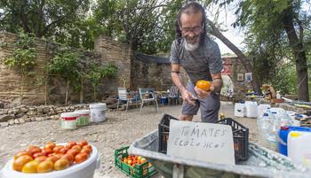 El mercado ecológico de Miguel en el río