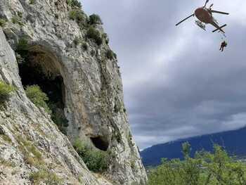Rescatan a un escalador con luxación de hombro en Aiztondo