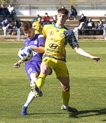 El Becerril cuenta ya con tres jugadores renovados