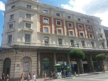 Muere un joven apuñalado en la estación de Abando, en Bilbao