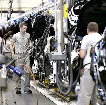 Renault pacta con los sindicatos un nuevo ERTE