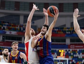 La defensa da el triunfo al Barcelona en Moscú