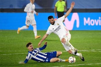 El Real Madrid confirma el positivo de Nacho Fernández