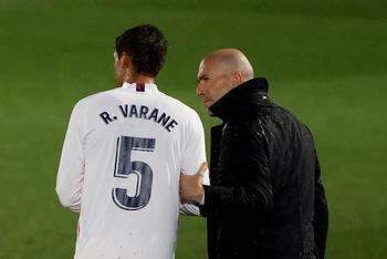 Zidane recupera a Varane