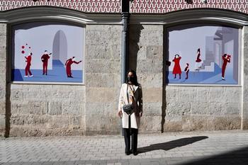 Arte en las ventanas del Teatro Calderón