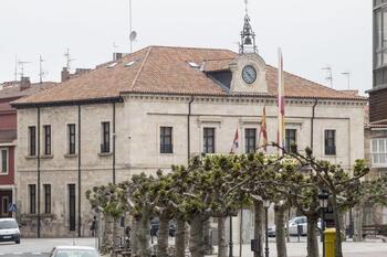 Villarcayo, condenado a indemnizar a una monitora despedida