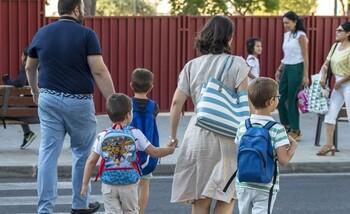 La Junta señala a las familias como «eje vertebrador social»