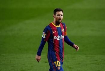 Messi desatasca al Barça y aprieta la Liga
