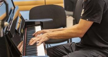 Briviesca busca profesores de piano y saxofón