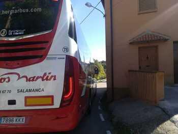 #VIDEO En autobús y 'encajonados' en Carrascosa de Abajo