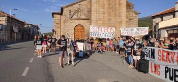 Protesta en los pueblos de la N-110 por el deterioro del bus