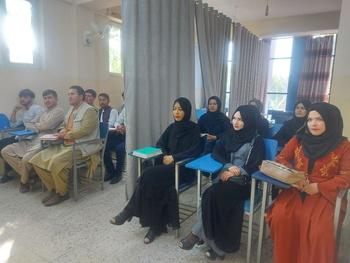 La segregación por sexos vuelve a las universidades afganas