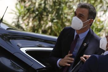 Sánchez desbarata su partido