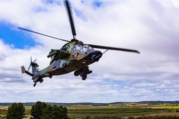Un 'Tigre', en las maniobras de los boinas verdes españoles