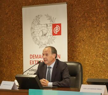 Colegio de Caminos reconoce al profesor Ramón Sánchez