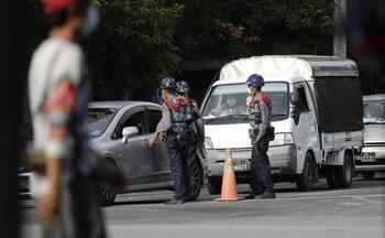 La junta birmana corta internet en las zonas más conflictivas