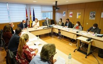 Junta y Diálogo Social debaten una nueva Renta de Ciudadanía