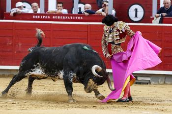 Andrés Palacios se enfrenta a los Miura en Valera de Abajo