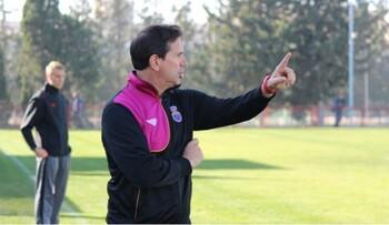 Antonio Cazalilla sigue al frente de la dirección deportiva