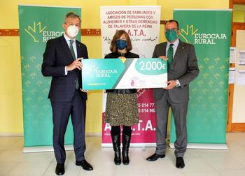Eurocaja Rural entrega a AFATA una ayuda de 2.000 euros