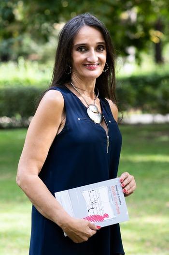Antonia Cortés abre el alma desde su ventana
