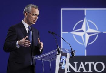 La OTAN expulsa a ocho diplomáticos rusos por espionaje