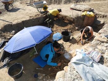 Los trabajos en el mausoleo de las Vegas destapan más tumbas