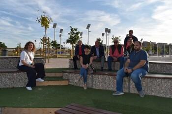 Sáez visita varios de los solares convertidos en parques