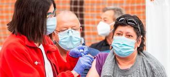 Sacyl inocula el 84% de las 1.200 vacunas de AstraZeneca