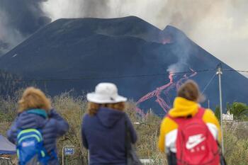 La deformación del terreno predice un aumento del caudal de lava