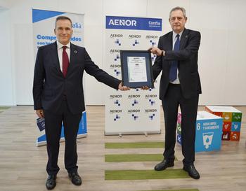 Rafael García Meiro, CEO de AENOR (i), y Félix Parra, CEO de Aqualia.