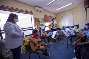 Élez valora los 25 años de actividad de la Escuela de Música