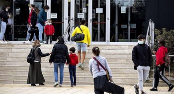 La falta de 5 docentes indigna a familias del Conservatorio
