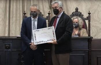 Francisco Martín Labajos recibe el 'María de Maetzu'