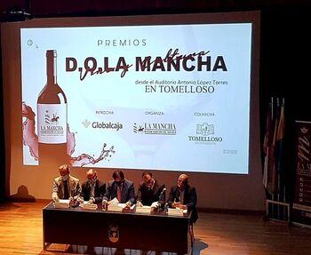 La Junta augura un futuro «brillante» al vino