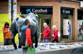 CaixaBank cierra 10 oficinas más en Burgos, Aranda y Miranda