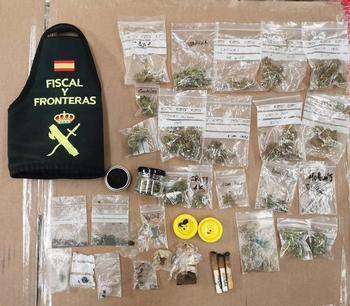 Investigados por elaborar droga dentro de su propia tienda