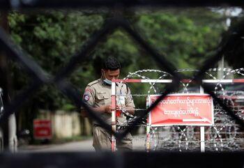 La junta militar birmana detiene a 110 amnistiados