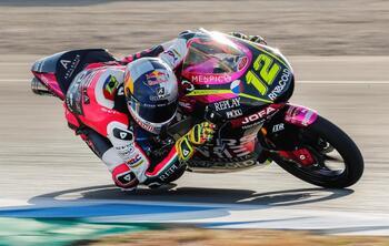 Salac se estrena en la pole en Moto3